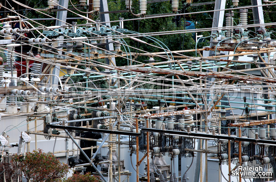 Tangle of electricity